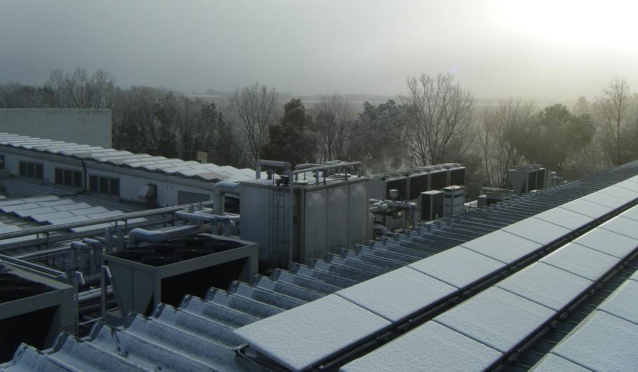 雪景色の夜明け
